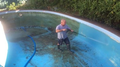 Photo of 10 Signs That You Need to Look for A New Pool Cleaning Service.